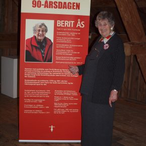 Berit Ås, the mother of the Suppression Techniques and the Women´s University, is turning 90 years.